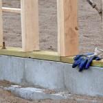 Gartenhaus kaufen und aufbauen: 3. Das richtige Fundament für Ihr Gartenhaus